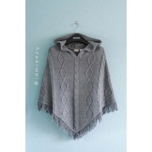 Mudd | NWOT Hooded Knit Poncho