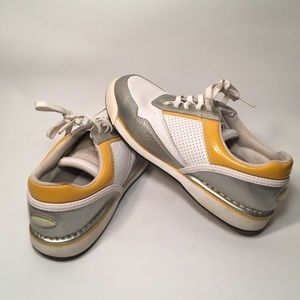 SILVER AND GOLD LEATHER STRIPED ROCKPORT SNEAKERS