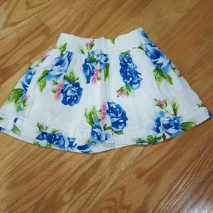 Gilly Hicks floral skirt size extra small