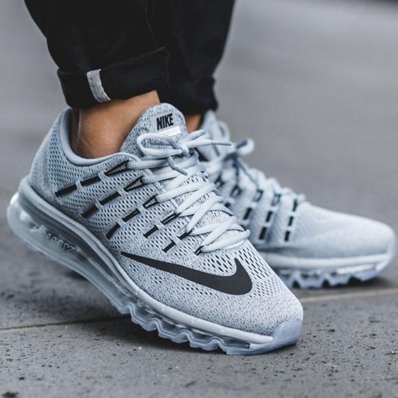 Nike Air Max 2016 Mens Size 10.5 Running Shoes whiteBlack