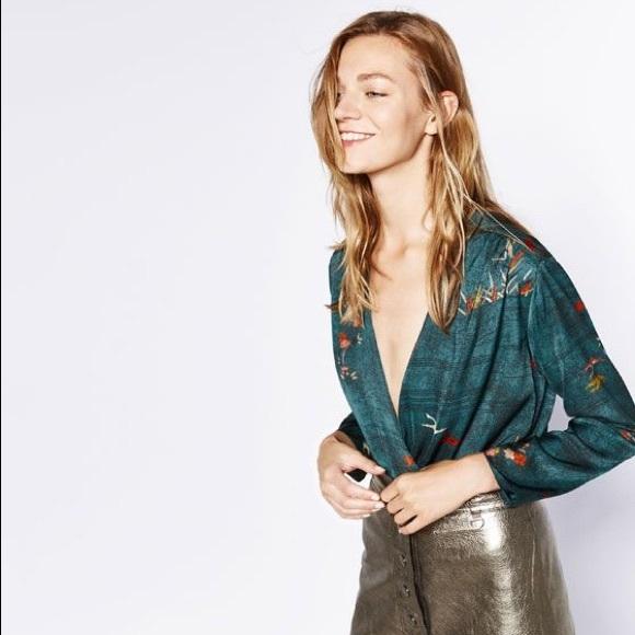 d72df64f67214 Zara silk wrap bodysuit print long sleeve blouse. M 59fbd9b0680278cd92023415