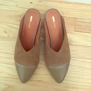 Matiko Leather Slides