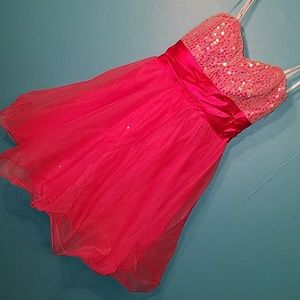 Sparkle and sequin strapless dress. Sz 7. NWT