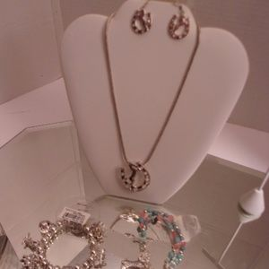 NWT TAMINA BY STELLA COWBOY NECKLACE EARRINGS & BR