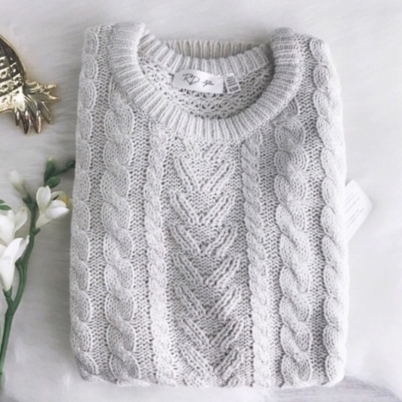 RD Style Sweaters - rd style • soft cableknit sweater