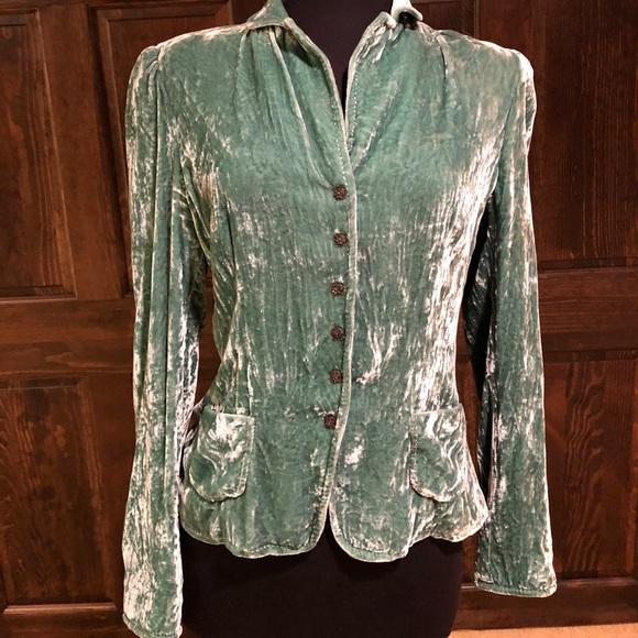 35bded660 Elie Tahari Gorgeous crush velvet green jacket