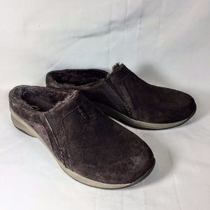 Clarks Faux Fur Lined Slip On Loafers Brown Suede