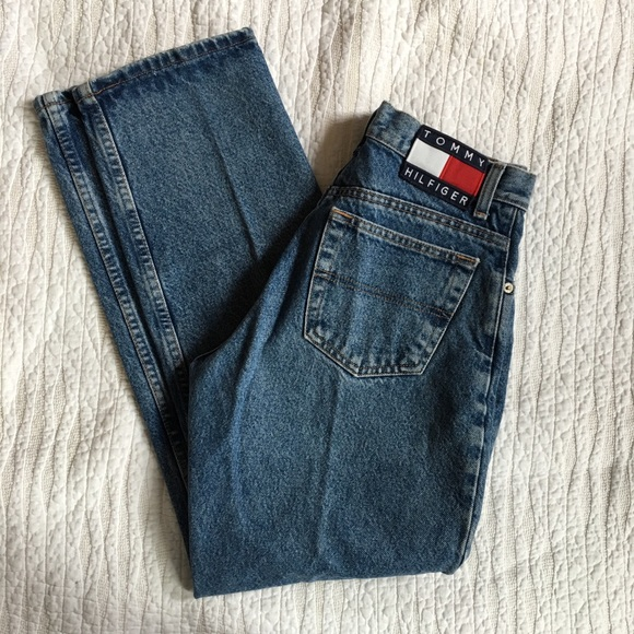 a3e1aed8 Vintage Tommy Hilfiger High Waisted Mom Fit Jeans.  M_59fca2d15c12f80b0704226a
