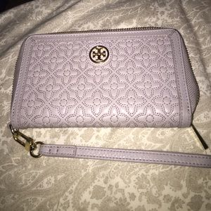 $45 ven 🎉 Authentic Tory burch super wristlet