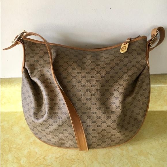cdcc9ab917c440 Gucci Handbags - Vintage Gucci Signature 100% Real Shoulder Bag