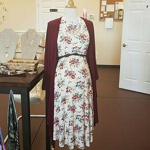 Dresses & Skirts - Fall short sleeve lined dress bump friendly.