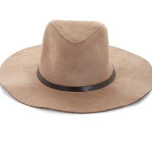 BCBG Maxazaria Panama hat