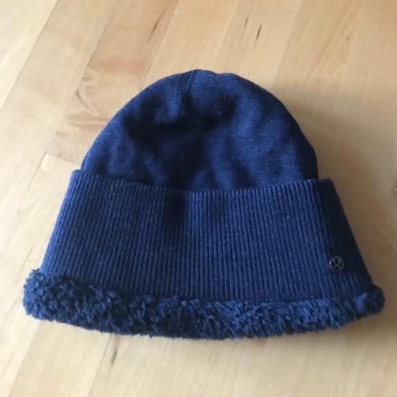 3f1adbcbcc8 lululemon athletica Accessories - Lululemon navy blue 100% merino wool hat  w  fleece
