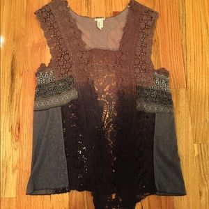 Women's Gimmicks by BKE vest. Size Small.