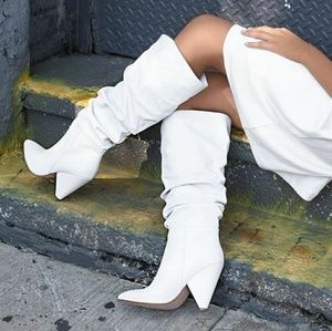 🆕//The Wiley// White Slouchy knee high boots