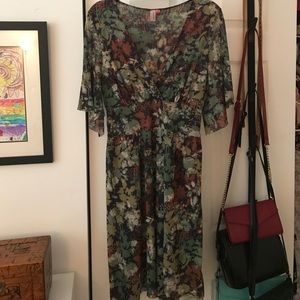 Sweet Pea Anthropologie dress size Large ❤️