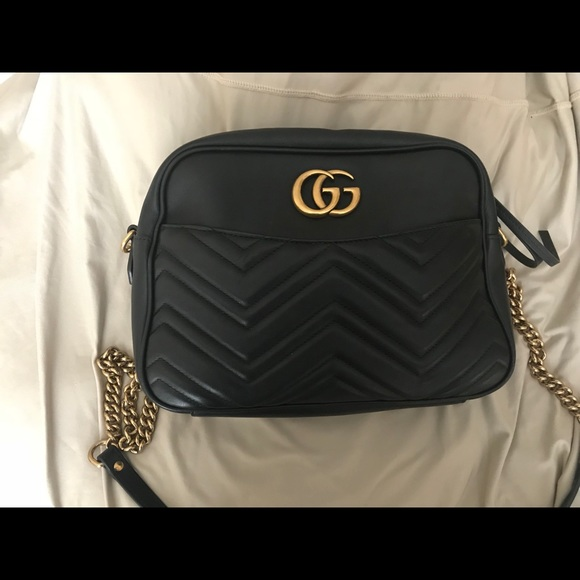 22d082ee5d88 Gucci Handbags - Authentic Gucci GG Marmont Purse