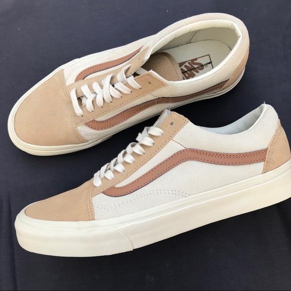 70bf9c82a4 Vans Old Skool Classic skate shoe beige tan