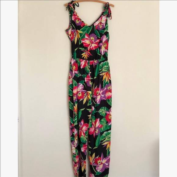 3e626c25cba0 Vintage Hawaiian Print Jumpsuit. M 59fce67dfbf6f9077a054232