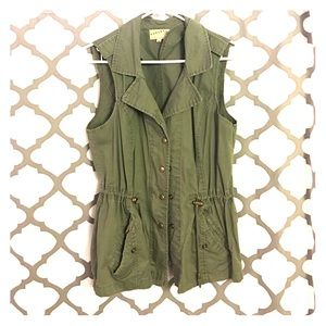 Jackets & Blazers - Army green vest from the Buckle