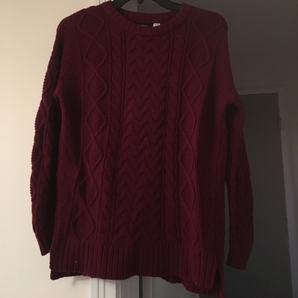 BDG - BDG Maroon cable knit sweater from Elizabeth's closet on ...