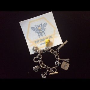 Jewelry - Vintage Style SAVE the BEES Charm Bracelet Decal