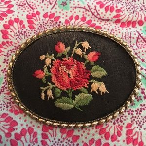 Jewelry - Vintage Embroidered Roses Brooch