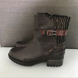 NIB size 10 Boots made in Italy!