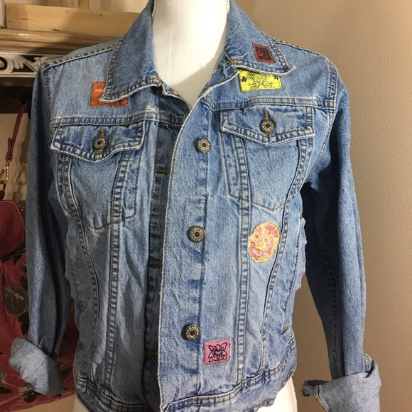 a53d550f9 Vintage American Eagle Denim Jacket With Patches