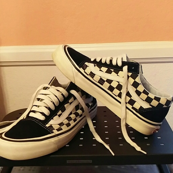 0ded2ffed167 Vans Black   White Checkered Style 36 Tennis Shoes.  M 59fd10362fd0b7b0ae05f437