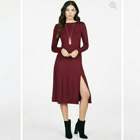 4cebee60ef3c JustFab Dresses   Skirts - JustFab Red Burgundy Maroon Long Sleeve Midi  Dress