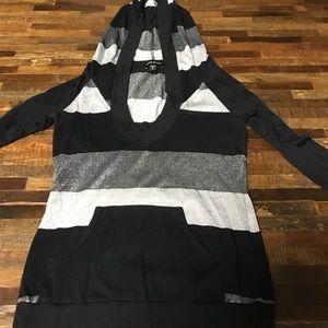 Bebe 3/4 sleeve hooded shirt