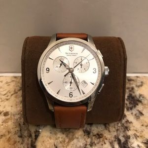 Victorinox swiss army leather watch
