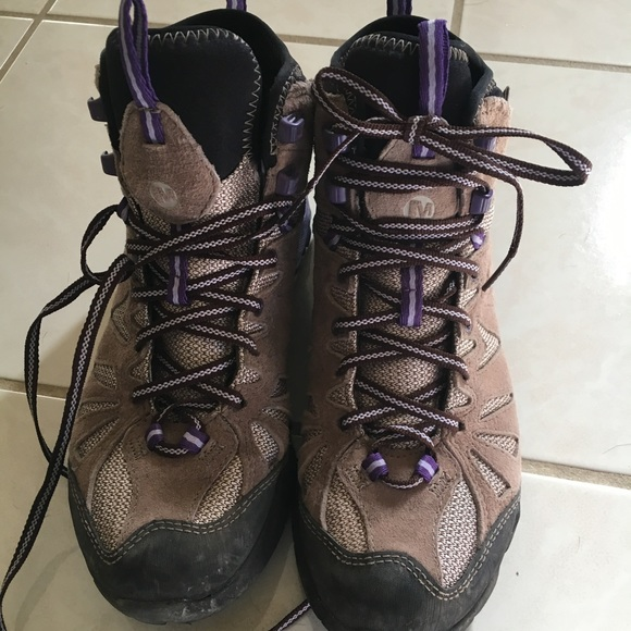 bed12d0408b Merrell Women's Hiking Boots - size 7