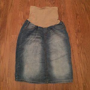 Dresses & Skirts - Motherhood Maternity Knee Length Jean Skirt