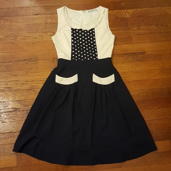 8477cb2b767f Comme Toi Dresses & Skirts - Comme Toi bib dress