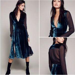 Dresses & Skirts - 🔥Sale Blue Velvet Sheer Back Midi Dress