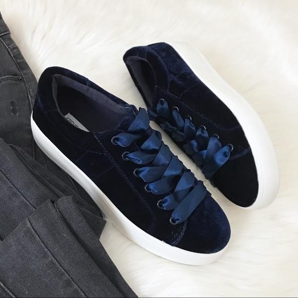 27d94af04f8 New Steve Madden  Bertie-V  Velvet Sneakers. M 59ff7cb4522b45780a0ead82