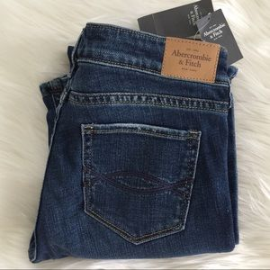 NWT A&F BOOT Jeans
