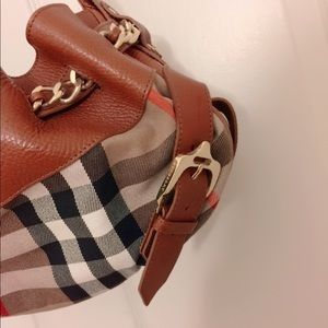 84449f3fc6a Burberry Bags - ⭐️Authentic Burberry Margaret Leather+Canvas Bag