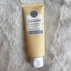 NEW IT COSMETICS CONFIDENCE IN A CLEANSER