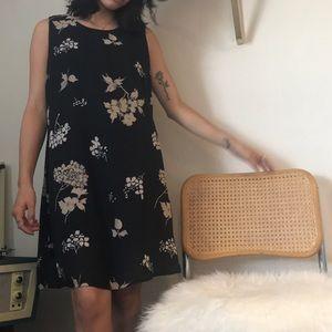 Dresses & Skirts - Vintage Floral Print Dress