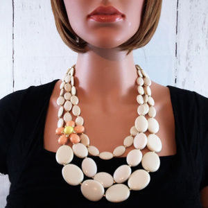 Jewelry - Cream Stone Flower Formica Layered Necklace Set