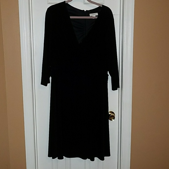 Women\'s plus size black dress size 1x NWT NWT