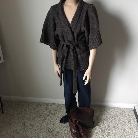 Forever 21 - Short Sleeve Wrap Cardigan from Joni's closet on Poshmark