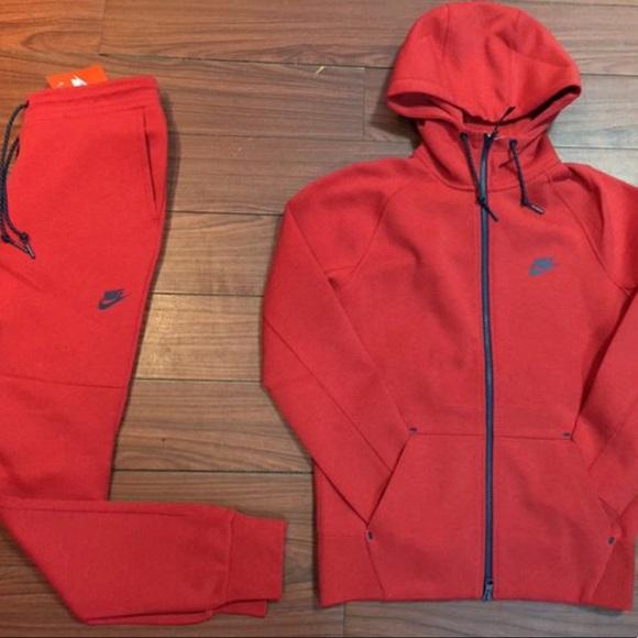 Nike tech suit. M 59fdc9144127d0215907d02f 75e727928478