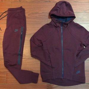 ... Nike tech suit ... 805aeac53c43