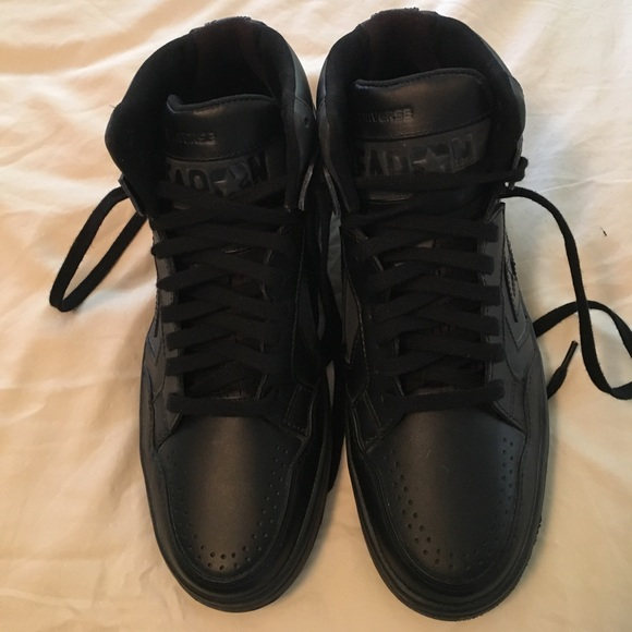f71ffac83d72 Converse Other - Converse Weapon Mid Top Basketball Shoes
