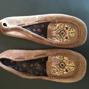 Shoes - embroidered moccasins