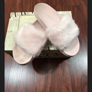 Steve Madden Pink Fur Slides Sz 5